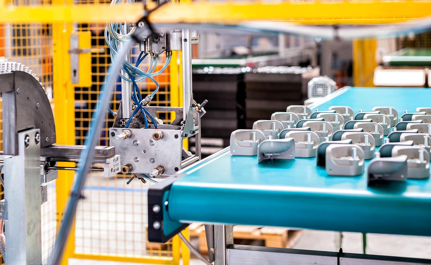 As specialists in complex assemblies and sub-assemblies of injected plastic parts, Intertell offers you component assembly services which is an essential complementary